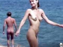 Sexy body of a naked beach babe in hot voyeur movies